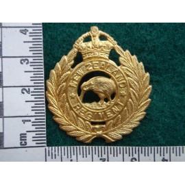New Zealand Regt Brass Cap Badge