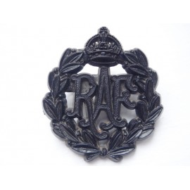 WW2 RAF Plastic Economy Cap Badge