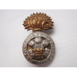 WW1/2 Royal Welsh Fusiliers b/m Cap Badge