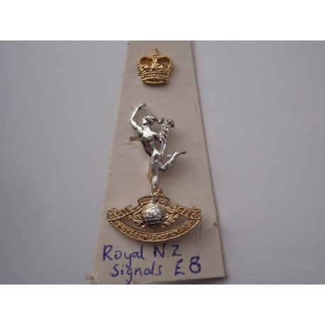 Royal N.Zealand Signals Cap Badge