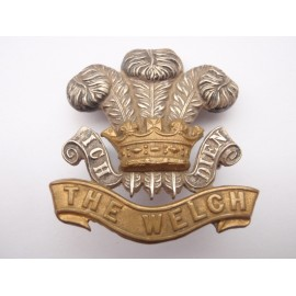 The Welch Regt Officers b/m cap badge