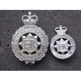 Ministry of Defence Police Cap Badge and Collars