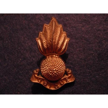 WW2 Economy R.A Plastic Grenade Cap Badge