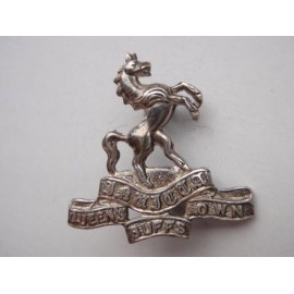 The Queens Own Buffs Officers Silver Collar Badge