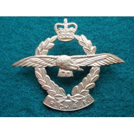 Royal Ceylon Air Force Q/C Cap Badge