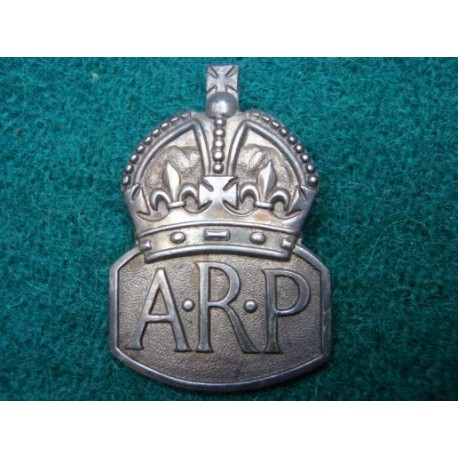 1938 dated A.R.P Hallmarked Silver Button Hole Badge