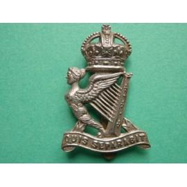 Royal Ulster Rifles w/metal Beret Badge